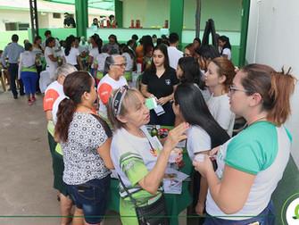 Participantes de projeto da Fundação Esperança recebem orientações sobre alimentação saudável