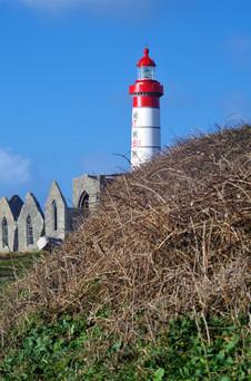 Phare de la Pointe Saint Mathieu vu du chemin en contrebas (29)
