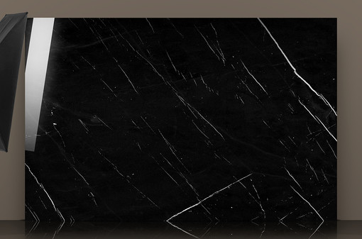 new-nero-marquina-marble-slab-reflection
