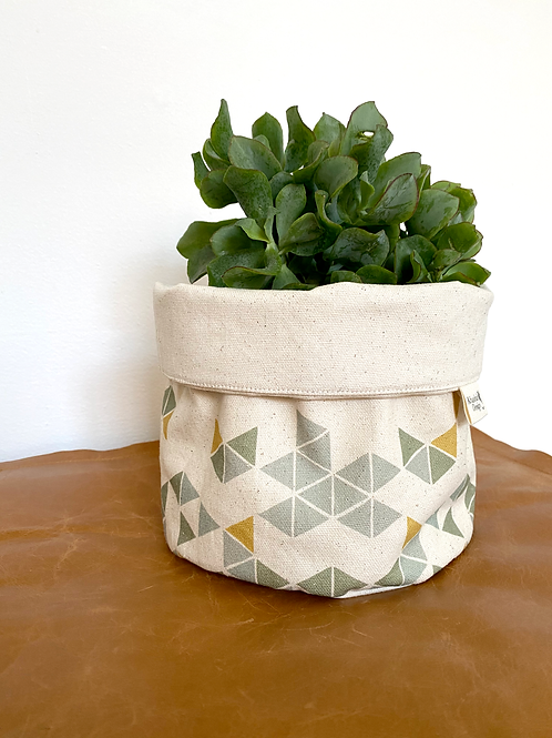 Manifest Multi-Colour Plant Pot Cover