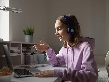 Teenager%20on%20Laptop_edited.jpg