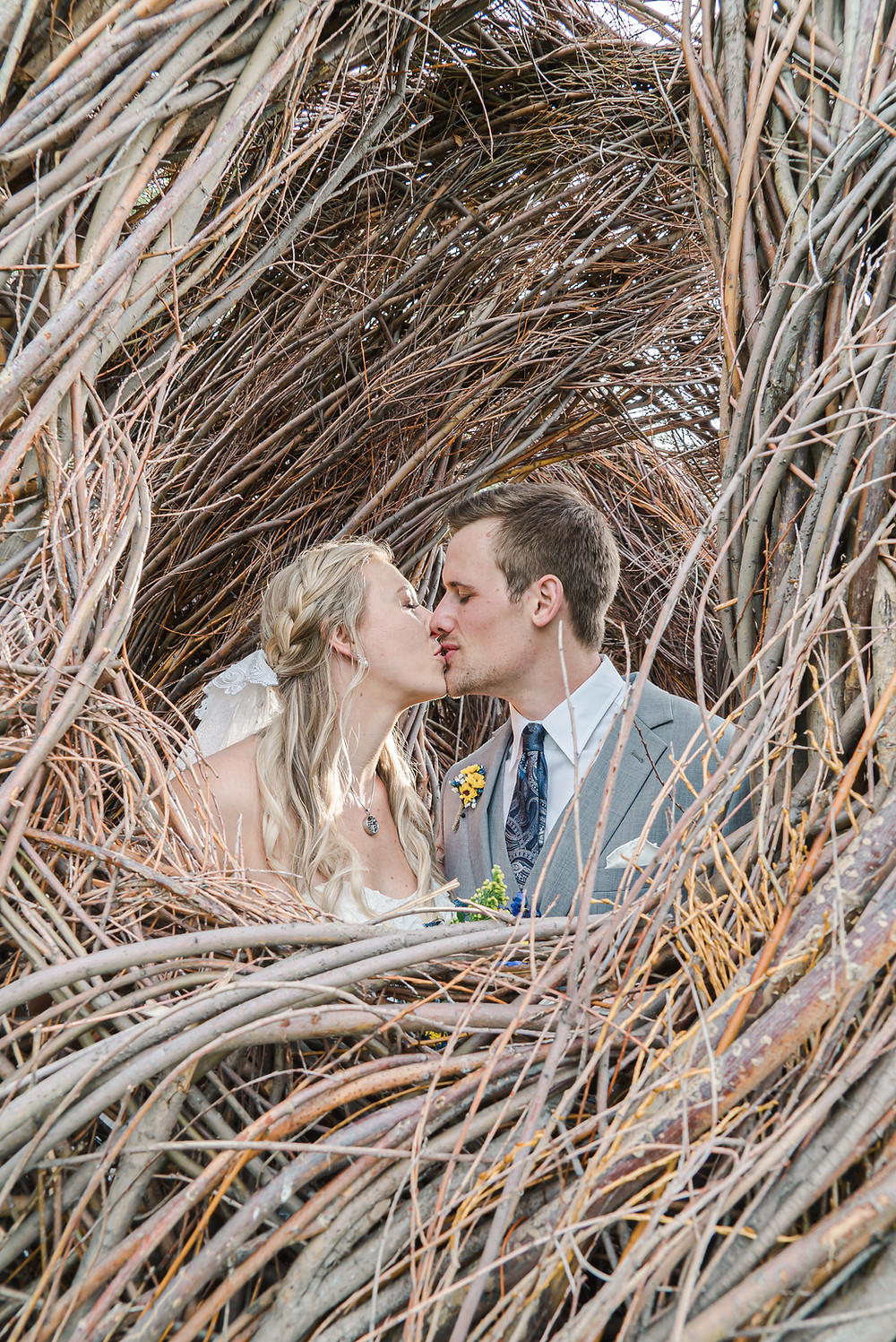 Denver wedding photographer at Denver Botanic Gardens Chatfield Farms