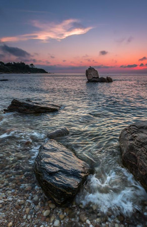 Split Rock With Wave