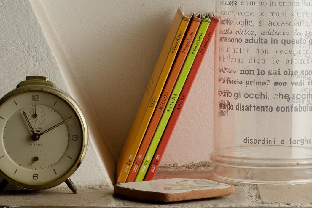libri poesia fazzoletto ricamo