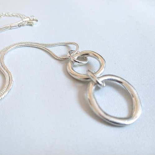 Double Ring Short Silver Necklace