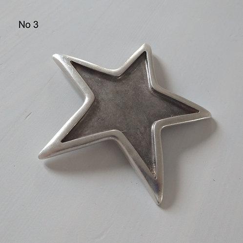 Hatti Metal Brooch No 3