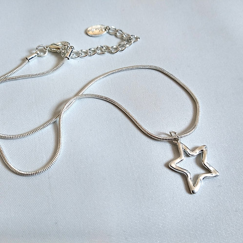 Short Silver Metal Open Star Necklace