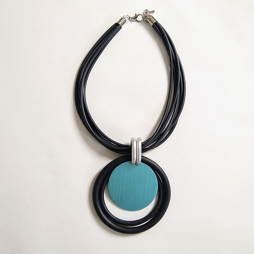 Rubber and Blue Disc Short Necklace