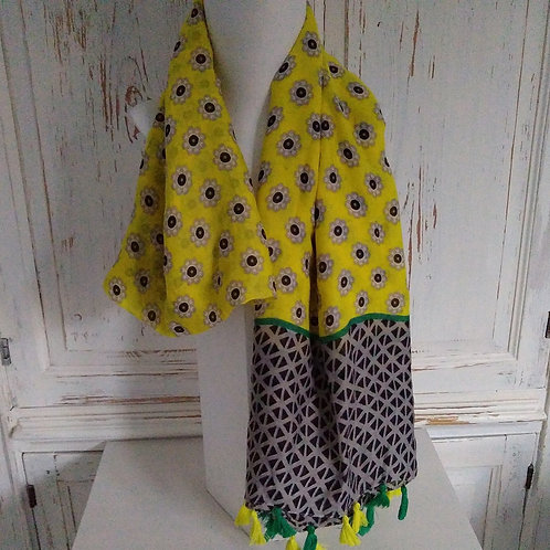 Repeat Pattern Tassel Scarves