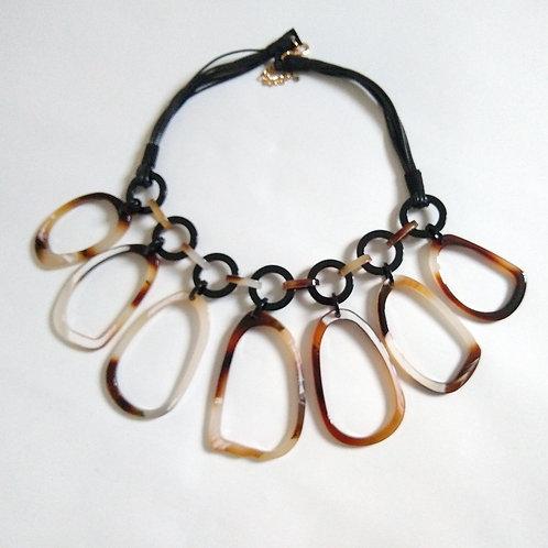 Plastic Drop Loop Short Necklace