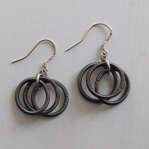Etnika Simple Metal Coil Hoop Earrings