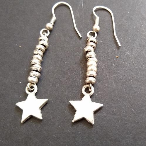 Hatti Single Star Earrings