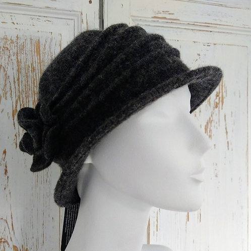 Ribbed Wool Shaped Hat