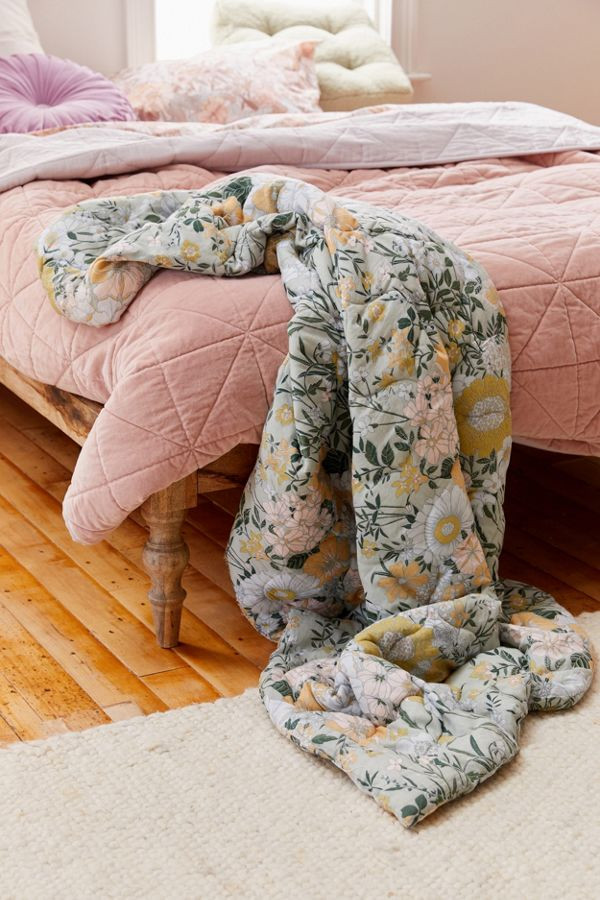 Tenleigh Meadow Floral Quilted Throw Blanket