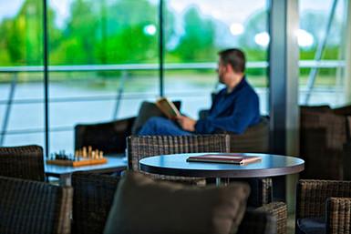 Avalon_Vista_Club Lounge_04.jpg
