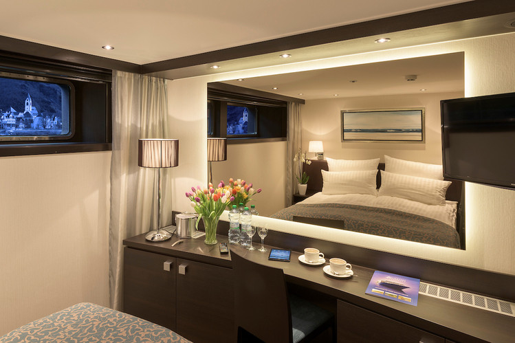 Avalon_Tranquility II_Deluxe Stateroom_0