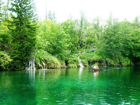 Plitvice e seus lagos esmeralda