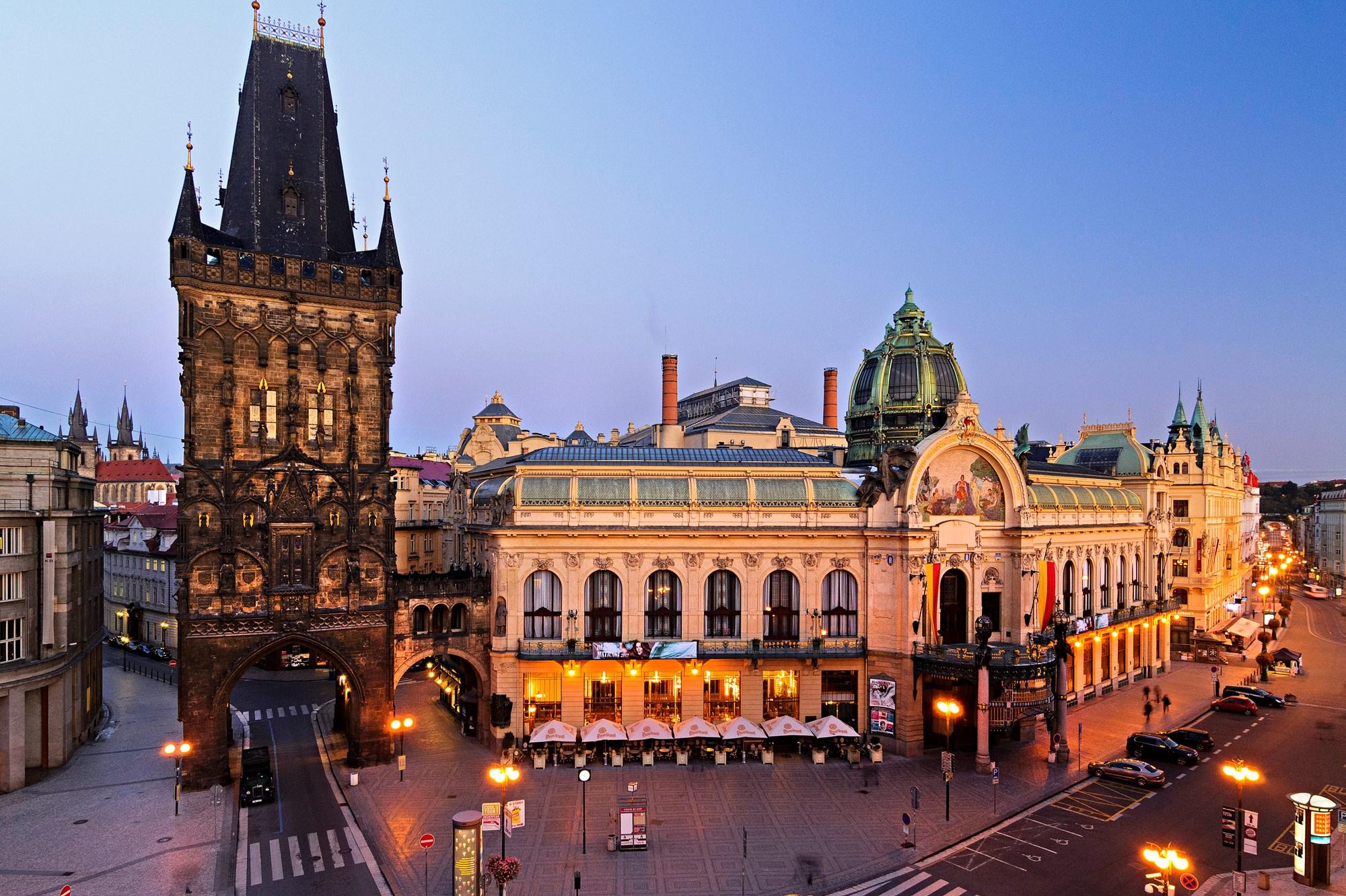 Casa Municipal em Praga - Foto Pavel Hro