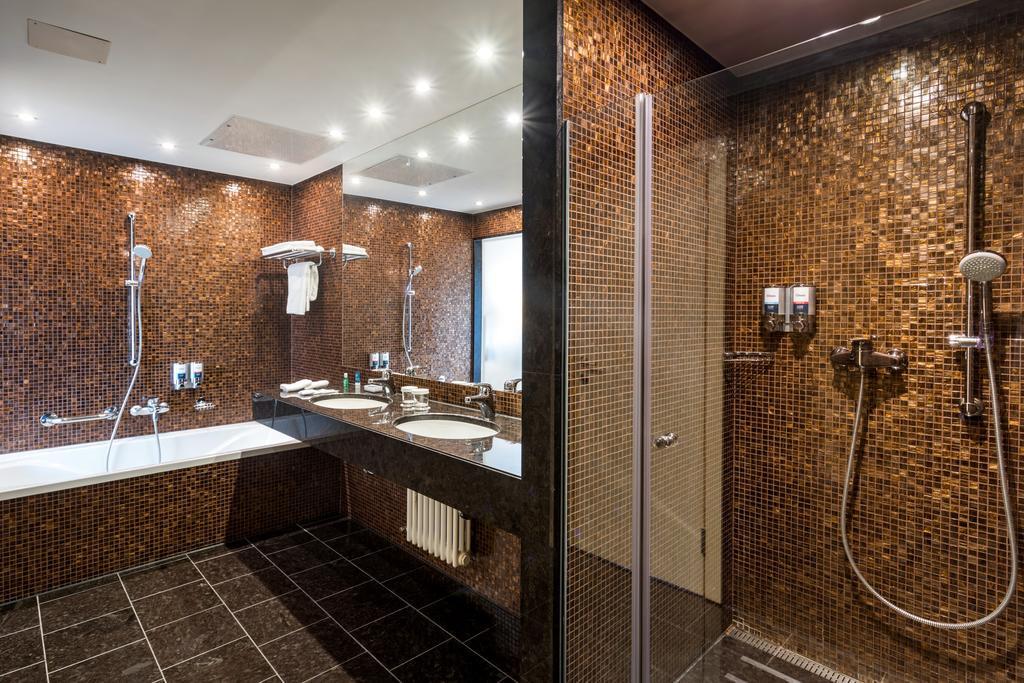 Ljubljana Mons banheiro