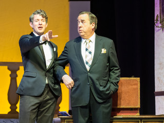 """Dirty Rotten Scoundrels"" Delivers a Lavish and Funny Musical Comedy"