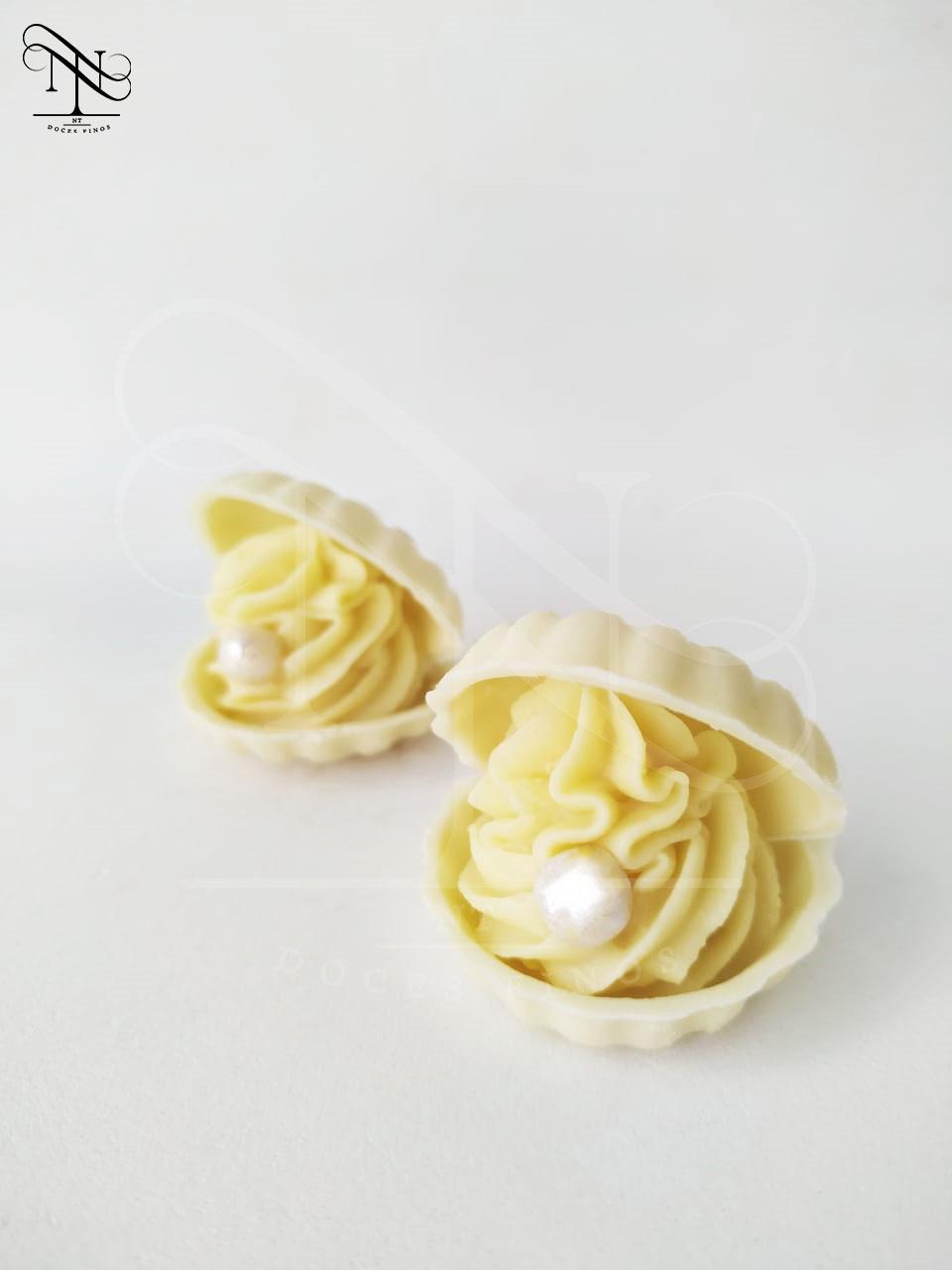 Concha de chocolate branco ou melão