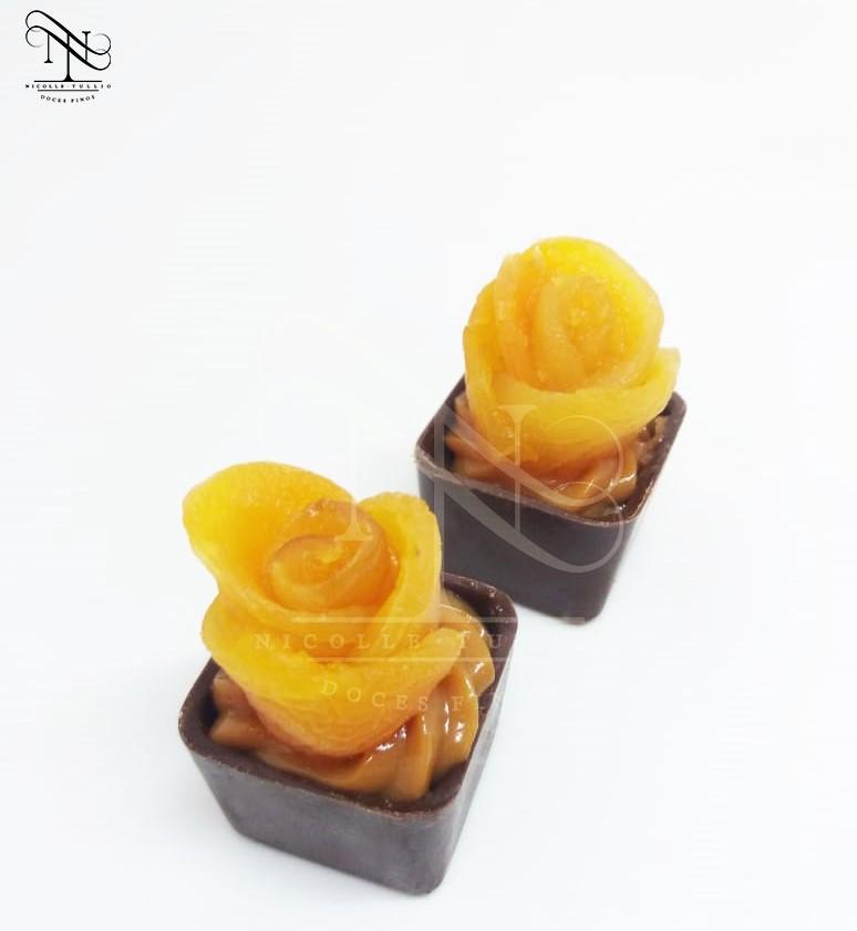 Flor de damasco com doce de leite