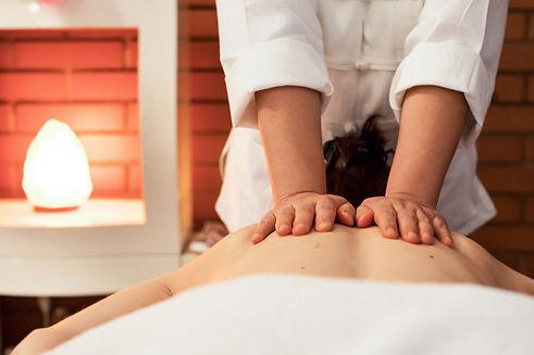 Thai oil massage nuadboran back thaïlandais huile dos