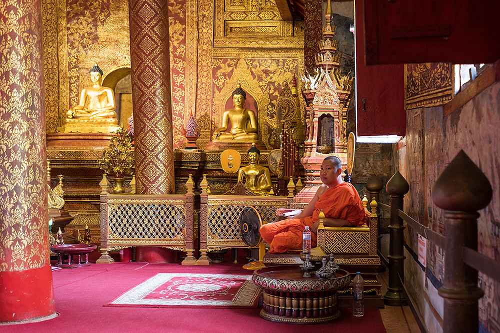 Thailand, Wat Phra Sing, temple, buddhist, monk, novice, Chiang Mai, 2019