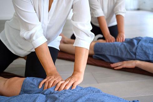 Thai massage class school leg acupressure thaïlandais cours école jambe acupression