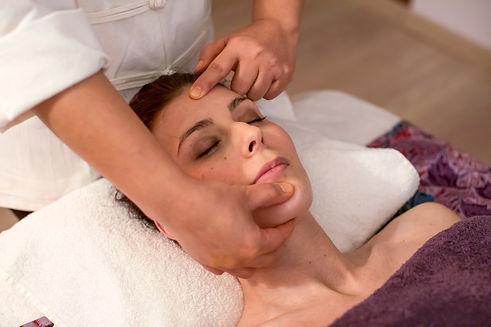 Thai massage face reflexology thaïlandais réflexologie visage