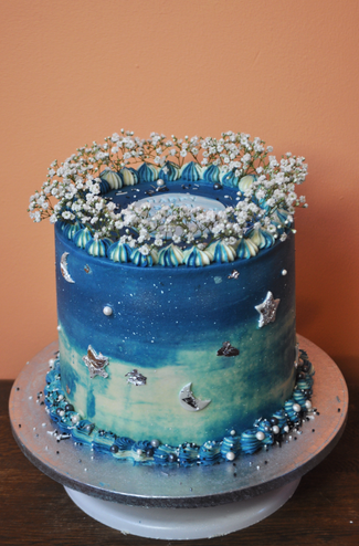 sliver and blue cake.png