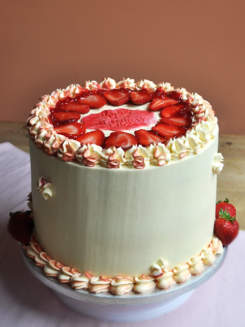 VICTORIA SPONGE LAYER CAKE