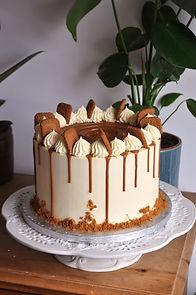 biscoff cake plain.jpg