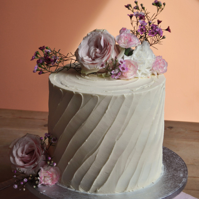 wedding single cake flowers jpeg.jpg