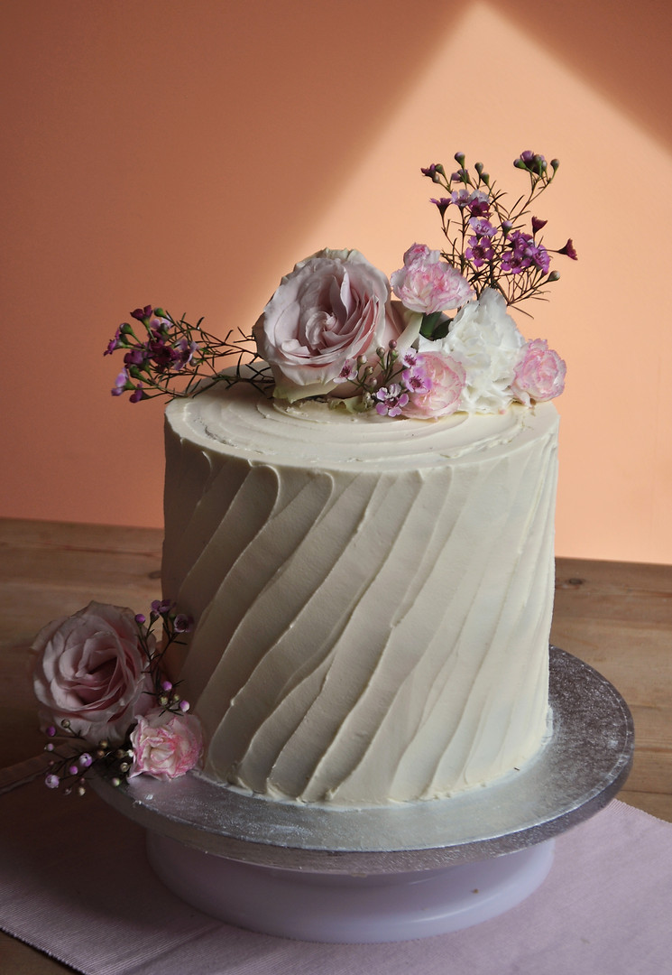 wedding single cake flowers jpeg.jpg