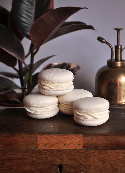 macaron white.png
