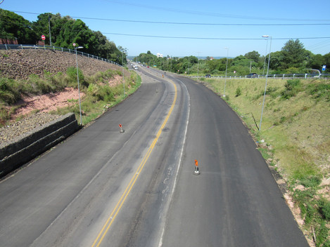 Travessia Urbana de Santa Maria-RS: DNIT/RS instala barreiras de concreto na BR-158/RS, no bairro Ce