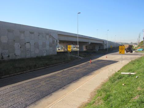 DNIT pavimenta rotatória do viaduto da BR-158/RS, em Santa Maria-RS