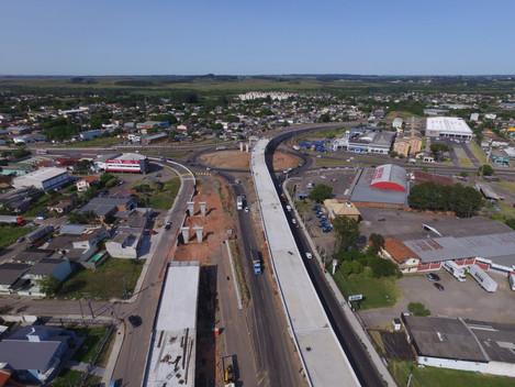 DNIT realiza içamento de vigas no viaduto da BR-392/RS-Travessia Urbana de Santa Maria