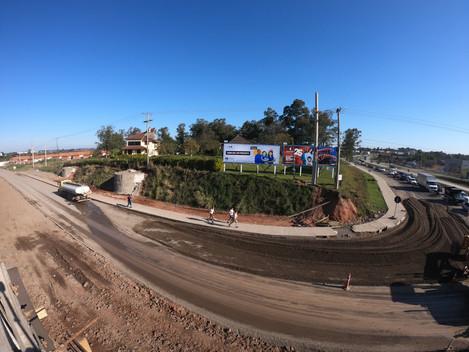 Travessia Urbana de Santa Maria-RS: DNIT inicia pavimentação do trevo de saída para Rosário do Sul
