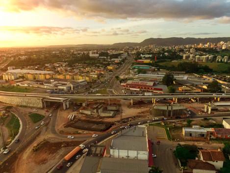 Comitiva do Ministério da Infraestrutura e do DNIT inspeciona obras da Nova Ponte do Guaíba e da Tra