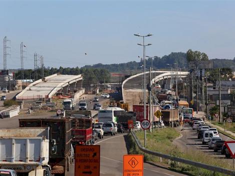 Trânsito do viaduto da Uglione será liberado em mão dupla nas próximas semanas