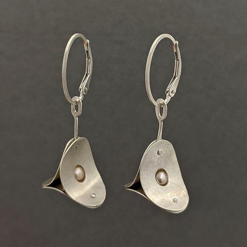 Flight Drop Earrings - R.T.S. - 5mm Pearl