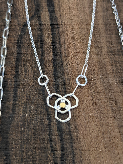 Honeycomb flower necklace with 18K dot