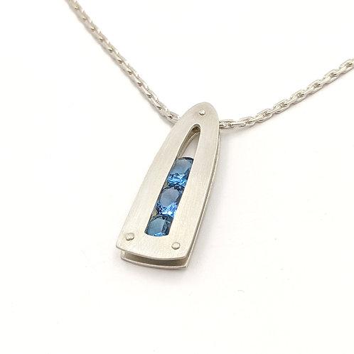 Collar Apex - R.T.S. - Satén / Argentium y Gemas