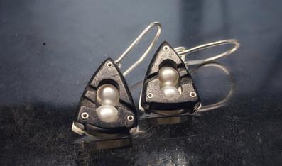 Ebony Embark Earrings with White Pearls