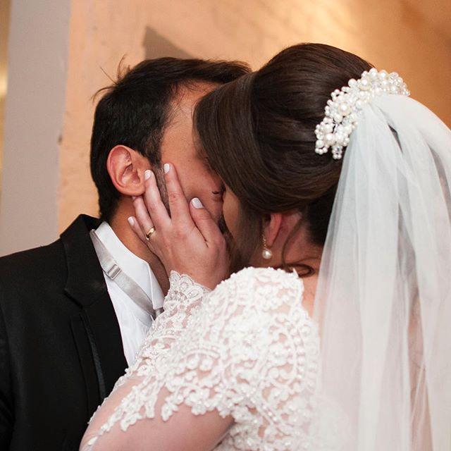 Receber fotinhos da noiva dizendo que amou td não tem preço! #penteado #diadanoiva #penteadodenoiva