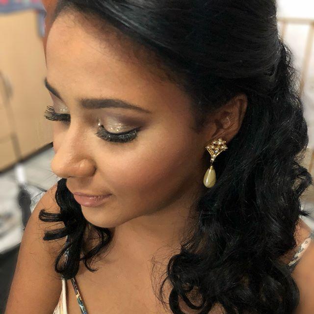 Noiva de hj também teve _stilacosmetics na Make porque adoramos brilhar !!! #maquiagem #maquiagemden