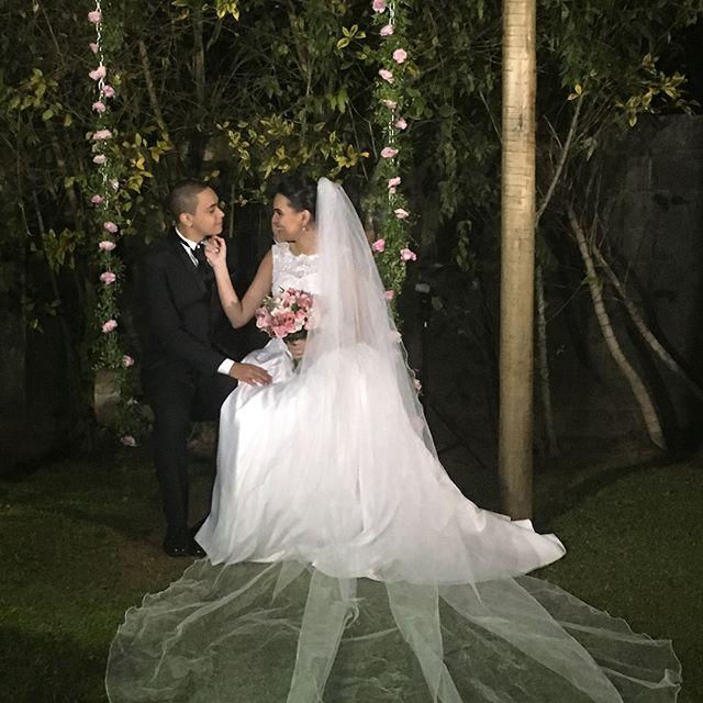 Hoje fui até Mairiporã no _espacovillagarden para produzir a linda noiva Mayara.jpgQue felicidade po