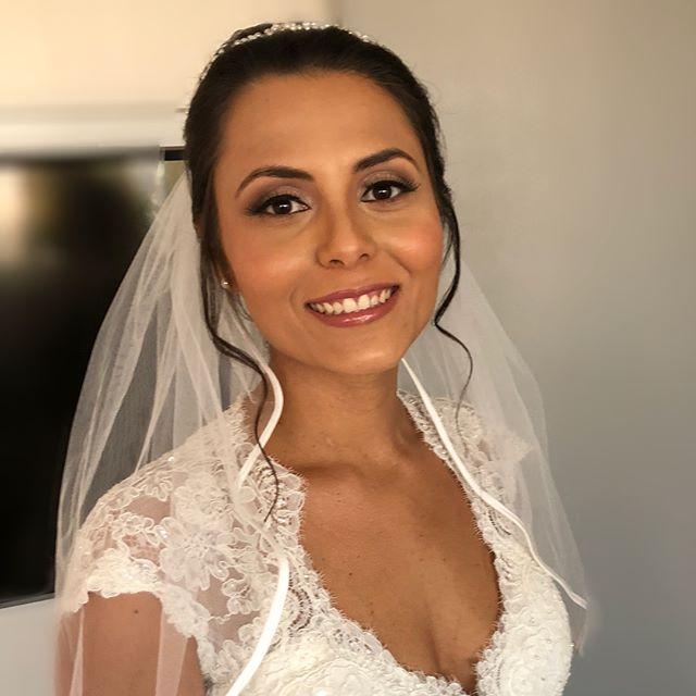 Noiva linda de hoje, realizando seu grande sonho neste dia mágico!! #maquiagem #makeup #penteado #di
